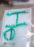 Skryf op gevulde plastieksak